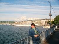 На фоне Женевского озера