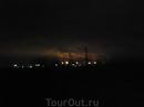 Вот так дымит ночью какой-то завод под Астраханью