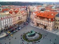Староместская площадь, памятник Яну Гусу. Вид с Ратуши.