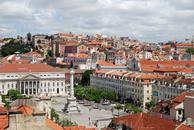 Вид на Лиссабон с мирадору.Так называют обзорные террасы,кот.устроены в старых кварталах города.