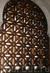 Потрясающая решетка на окне мечети