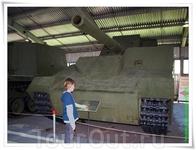Тяжёлая самоходная установка СУ-14-2. Основой для её создания послужили агрегаты и механизмы танка Т-35. Этот опытный экземпляр имеет дополнительное броневое ...