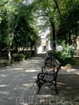 парк перед храмом