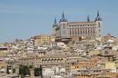 Это прямоугольное сооружение - Алькасар- , расположенное в центральной точке города, на скале, возвышается над городом на несколько десятков метров. Источники ...