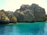 на острове есть пещера поцелуев..в которой надо долго целоваться для долгого счастья