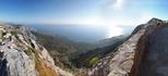 Самые сильные впечатления мы получили от поездки в Биоково - горный массив, возвышающийся над Макарской Ривьерой.