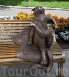 «Йошкин кот» – это частный проект, подарок жителям города от одного из московских бизнесменов. Памятник является одним из символов города Йошкар-Олы. Скульптурная ...