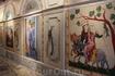 А так расписана стена в одном из старинных дворов Авиньона