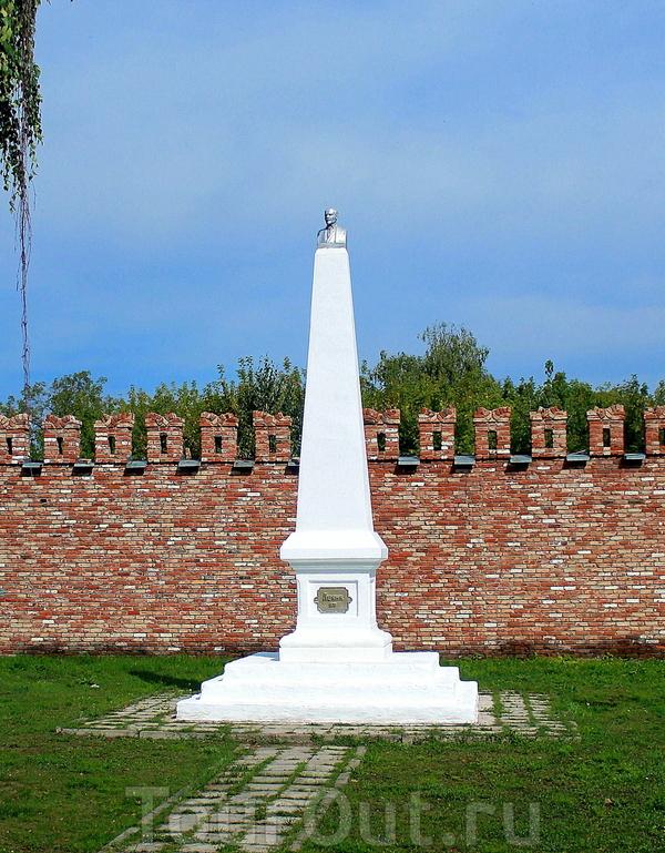 Один из самых нелепых памятников Ульянову, мной виденных)