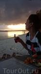 А вечером по возвращении пили вино на пляже