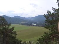 вид с горы обзорной (из конной прогулки близ базы)