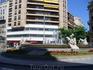 На площади в центре города