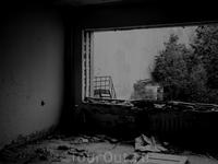 * * * Василию Деомидовичу Дубоделу, умершему в августе 1988 года, и всем былым и будущим жертвам Чернобыля посвящаются эти строки  Не регистрировали ...