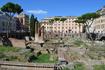 Ларго ди Торре Арджентина - небольшой сквер представляет собой археологическую зону с остатками четырех римских храмов