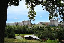 вид на ул. Эльменя с Красной горки (внизу ул. Красногорская)
