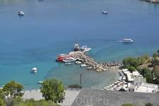 Маленький порт и пляж Линдоса