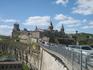 Город Каменец-Подольский почти весь окружен очень глубоким каньоном, и только в одном месте есть узкий перешеек, который и защищает замок.