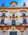 В этой нарядной церкви de la Santa Caridad - детский хоспис