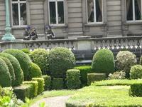 Брюссель.  Смена  караула  в  Королевском  Дворце.