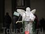 Живые скульптуры поздравляют с Новым Годом!
