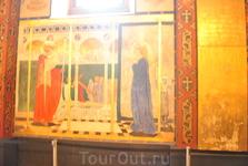 И роспись отличается и от католиков и от православных