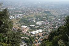 Со смотровой  площадки у подножия   Гуиты открывается  великолепный  вид на  город сверху!