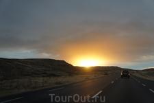 Что-то мы загулялись,солнце садится,а впереди возвращение через перевал в потемках...