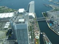 Вид на современную часть-офисы и отели