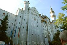величественный замок Нойшванштайн