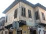 а это угол улицы Ledra и какой-то еще :) честно говоря, не знаю как это все не рухнуло, уж очень хлюпенько выглядит...