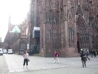 Cathédrale Notre-Dame de Strasbourg. Весь в кадр не помещается - огромный и безумно красивый...