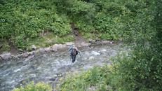Переход Имеретинки вброд. Сильное течение и вода градусов 5-10