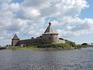 А вот и он - Орешек! Немножко истории: крепость была основа в 1323 году князем Юрием Даниловичем, который был внуком Александра Невского.
