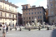 Рим.  Еще один фонтан -мраморная  сказка- на Piazza  Navona.