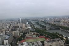 Париж в ранней дымке,вид с Эйфелевой башни