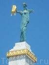 Фотография Скульптура Медея с золотым руном