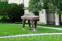 Quo vadis–автомобиль «Трабант» ГДР на человеческих ногах