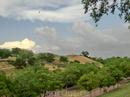 Парк - это пространство с семью холмами (отсюда и название Siete Tetas), где можно сидеть, смотреть на столицу, простирающуюся внизу и еще и еще раз смотреть ...