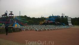 А это аквапарк Juku Park, как водится - открытый))