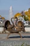 """Этот памятник """"Любви и верности"""" городу подарила сотовая связь """"Мегафон""""."""