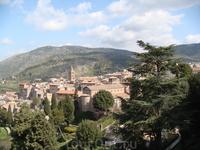 Пейзаж открывающийся из дворца на близлежащие окрестности
