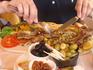 Ужин в местном ресторанчике на побережье - огромные порции за небольшие деньги и все потрясающее вкусно!