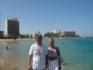 Пляж Фамагусты,на занем плане разбитый пустующий отель