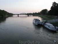 Самая длинная река Словакии. Левый приток Дуная.