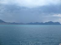 Горы и море