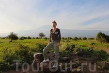 На этом парке мое путешествие по Кении заканчивается, и мы переезжаем в Танзанию. По пути из парка Амбосели до границы с Танзанией, если повезет с погодой ...
