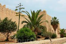 Стена окружающая Медину.