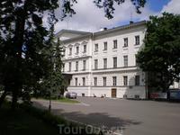 Дом военного губернатора (Кремль, корпус 3) - одно из зданий Нижегородского государственного художественного музея. Дворец военного губернатора связан ...