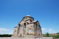 Церковь святой Рипсиме является частью Эчмиадзинского монастыря, была построена в 618 году. По легенде, здесь раньше было древнее языческое капище, где ...