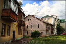старые и новые дома по ул. И.Франко